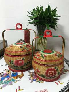 Vintage style Basket Chinese Oriental twin pair lunch