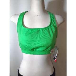 🚚 現貨 Cinderella 灰姑娘 綠色 素面 無縫 大尺碼 一體成型 專業 運動內衣 原價980元特價250元