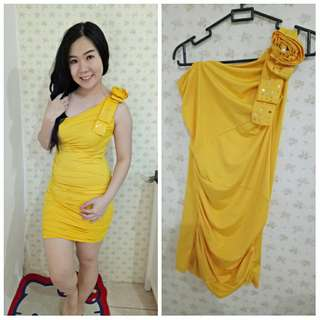 Dress Pesta Yellow