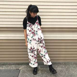 Bbk設計款 我是一朵花質感吊帶褲 (白)