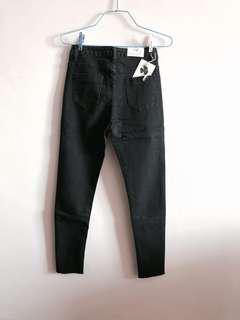 🚚 Black Denim Jeans