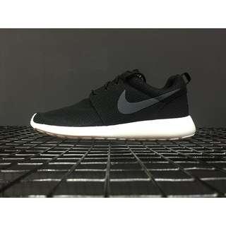 NIKE ROSHE RUN 奧運倫敦 黑白 黑勾 輕量 網面 511881-010 男女鞋