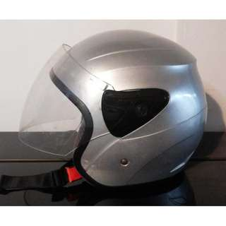 Motobike motorcycle bike helmet with visor Excellent condition Brand is xdot