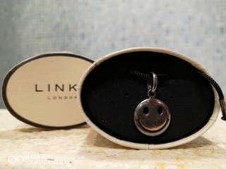 Links Big smile 925 silver charm or pendant 很久未用有氧化變灰 牙膏洗或銀水或鋪頭免費洗會光亮返的