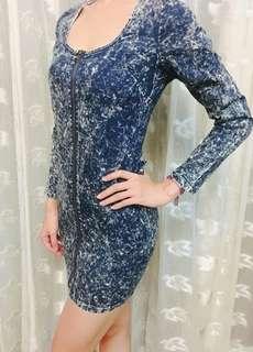 🚚 Free size) 雪花牛仔彈性合身短洋,露腰 fit dress show waist with elasticity