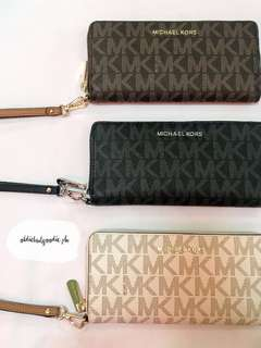 Brand New & Authentic Michael Kors Jet Set Travel Leather Continental Wristlet
