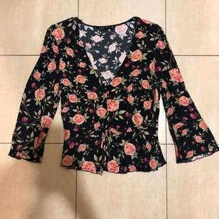 SALE‼️Zara floral vneck top