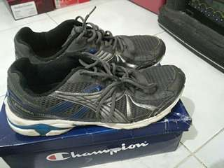 Diadora running shoe second