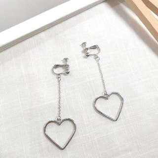 🚚 氣質愛心夾式耳環