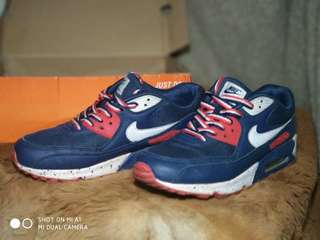 Nike Air Max size 42 like new still in a good condition