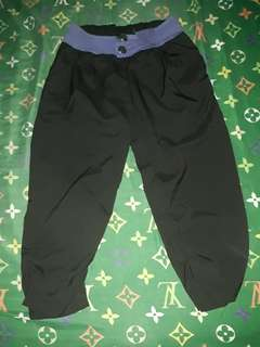 Bootleg pants with blue details