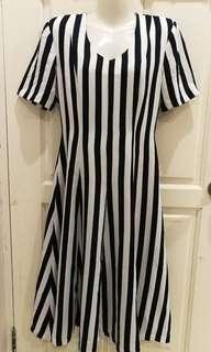L Midi Stripe Dress