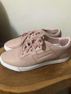 REEBOK | Pink sneakers with rose gold detailing