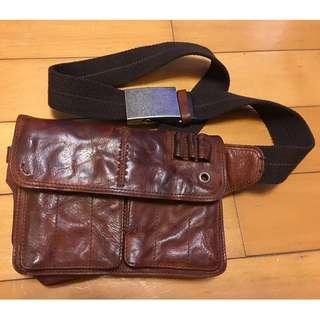 韓式腰袋, 斜咩袋, 包包, 全牛皮, 男女合用, 金屬袋扣, 帶電話, 錢包剛好...全新