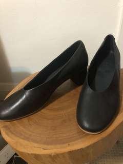 COS | Black leather heels