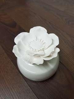 Mt Sapola/Hyssess Porcelain Flower Diffuser