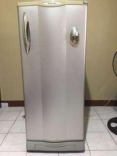 7 cu Panasonic Refrigerator