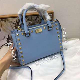 🚚 Brand New Michael Kors Bag Blue Color for Sale