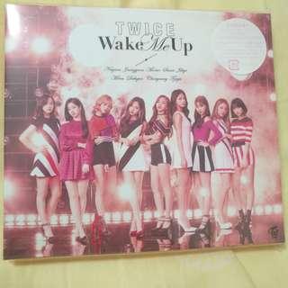 Twice wake me up 專輯 有cd同dvd