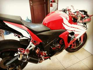 DI JUAL MOTOR HONDA CBR 250cc TH 2011 FULL MODIF