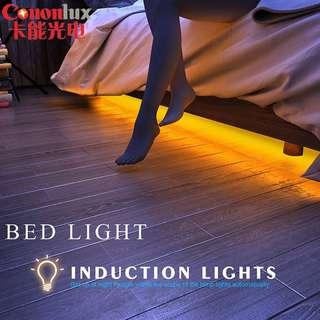 Motion Sensor LED Strip / Night Light / 1 Meter / Cool White / Warm Yellow