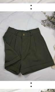 🚚 軍綠色短褲