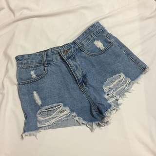 刷破牛仔短褲