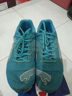 Sepatu puma running size 44