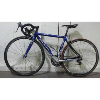 Very lightweight USA road bike bicycle Excellent condition Shimano gears
