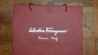 Salvatore Ferragamo名牌紙袋