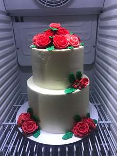 2 tier buttercream cake