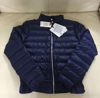 Year 12 only 全新Moncler down coat