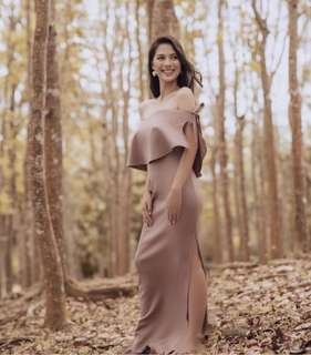 For Rent: Apartment8 Kassanova Gown