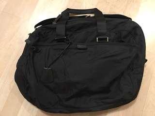 Agnes b 斜揹袋 (Causal Bag)