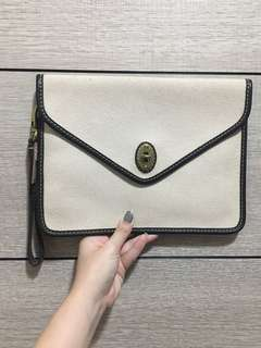 BRAND NEW AUTHENTIC Fossil Tweed Clutch