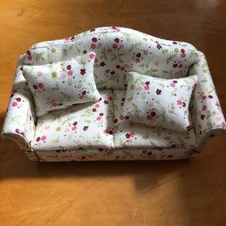 1/12 scale sofa with 2 cushion miniature