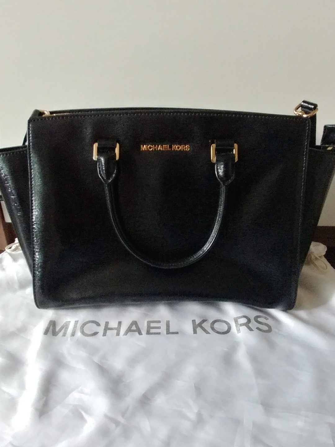9625426c7ac5 Authentic Michael Kors Selma Large Black Patent Leather Satchel ...