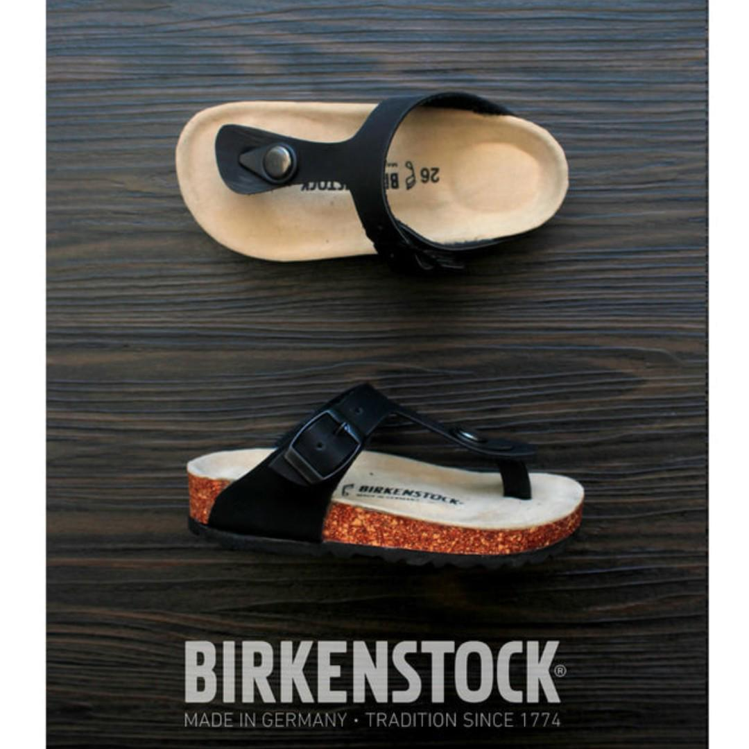 Sandal Birkenstock Anak tanggung Model Jepit Hitam.