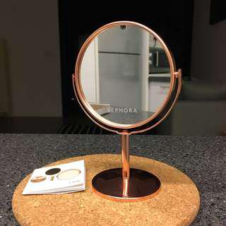 Rose gold table mirror