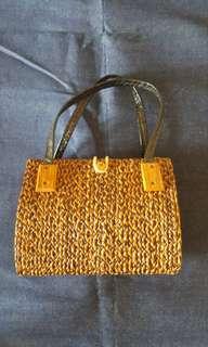 Vintage straw rattan  bag
