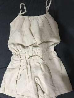 🚚 全新杏色棉麻連身短褲。#米白#卡其