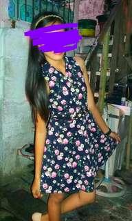 Floral denim dress with garterized slim belt