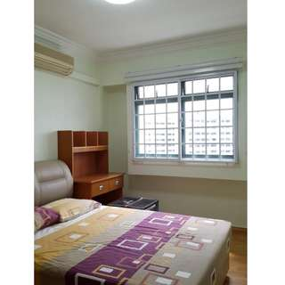 Furnished common room for rental (available now)
