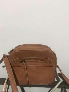 🚚 Lippy 卡其肩背雙層相機方包小包