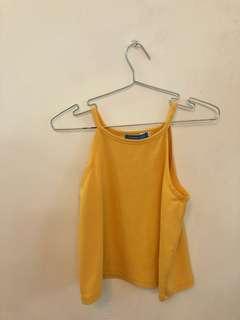 🚚 黃色上衣