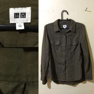 Uniqlo army green long sleeves