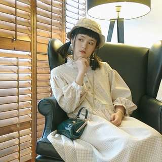 猫日屋 淺卡奇細格紋復古小立領可愛連衣裙