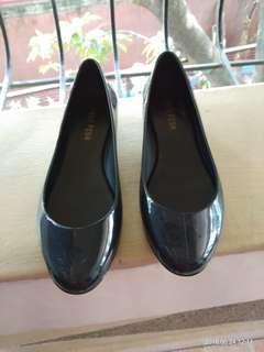 Rain shoes size 7-8