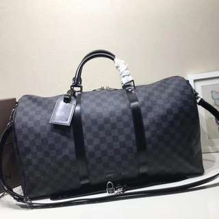 LV Damier travelling bag