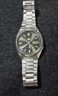 🚚 SEIKO 5 7009-3040 機械錶